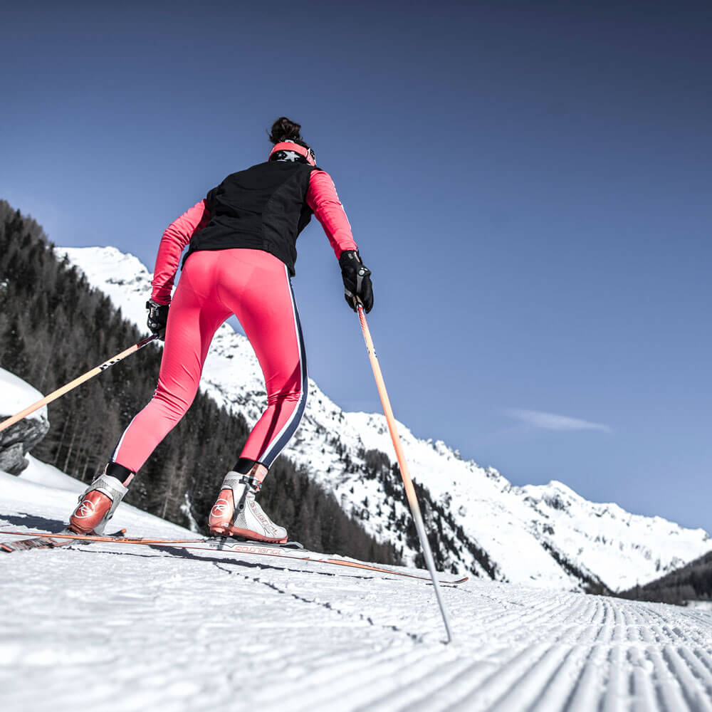 Winter sports: skiing, toboggan, ice-skating, cross-country skiing and snow-shoe hikes